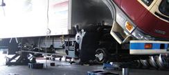 自社整備工場による、大型車から小型車まで車両メンテナンスサービスを提供いたします
